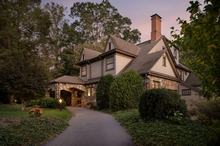 Twilight View of North Lodge Inn Bed & Breakfast, Hospitality Architecture & Interior Design, Commercial Photography by Daniel Green, Atlanta, GA